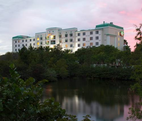 Courtyard By Marriott Fort Lauderdale Airport And Cruise