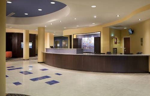 Courtyard Marriott Fort Lauderdale Aiport / Cruise Port reception desk