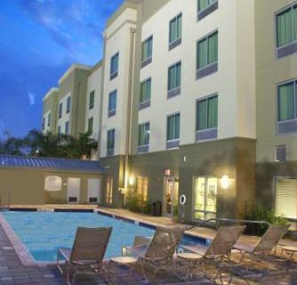 Fairfield Inn Ft Lauderdale Airport pool