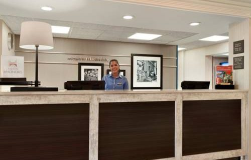 Hampton Inn Suites FtLauderdale Airport concierge