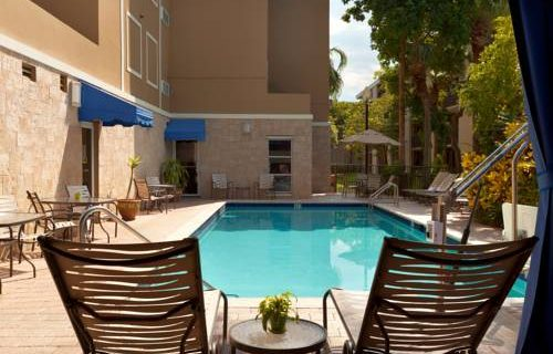 Hampton Inn Suites FtLauderdale Airport pool