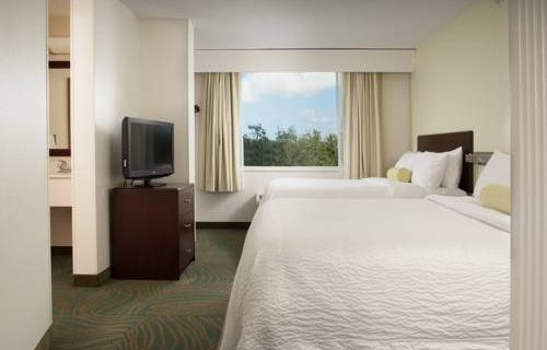 SpringHill Suites FtLauderdale Airport bedroom